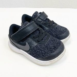 Nike Flex Contact Black Sneakers size 5